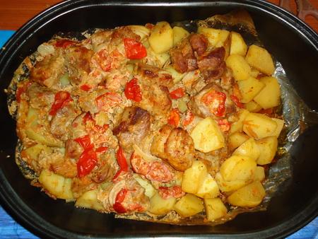 Картошка с мясом в духовке рецепт в кастрюле 127