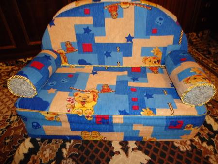 Сделать диван для ребенка своими руками 97