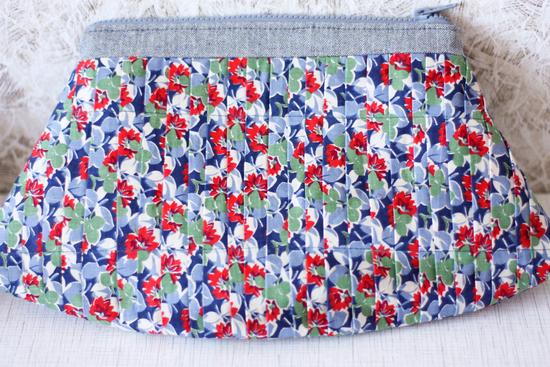 Материал - джинса, ткань х/б.  Вот и еще один клатч готов к весне.